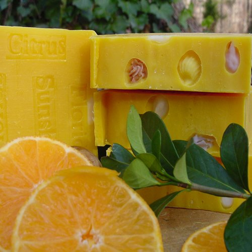Florida Citrus Soap , feels like your bathing on the shores of South beach with a extra creamy bar of soap. T,tangerine tangerine amazing. Close your eyes and feel like your walking through a tangerine groove