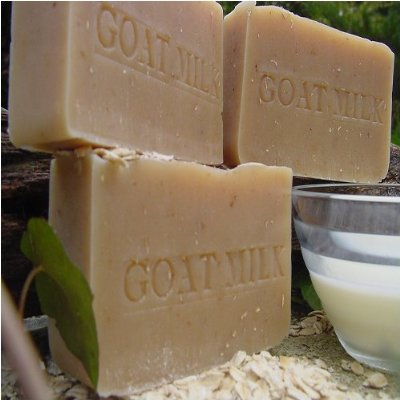 Goat's Milk and Pear berry -Made from milk honey and beeswax sourced from local, sustainable, chemical-free hives and Farm fresh goat's milk, this bar soap is giant in moisture,, and nourishes your skin..