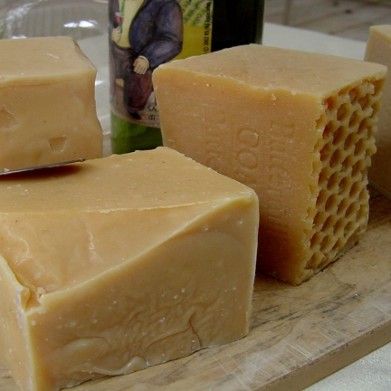 Goat's milk Soap made with Beeswax and Honey!