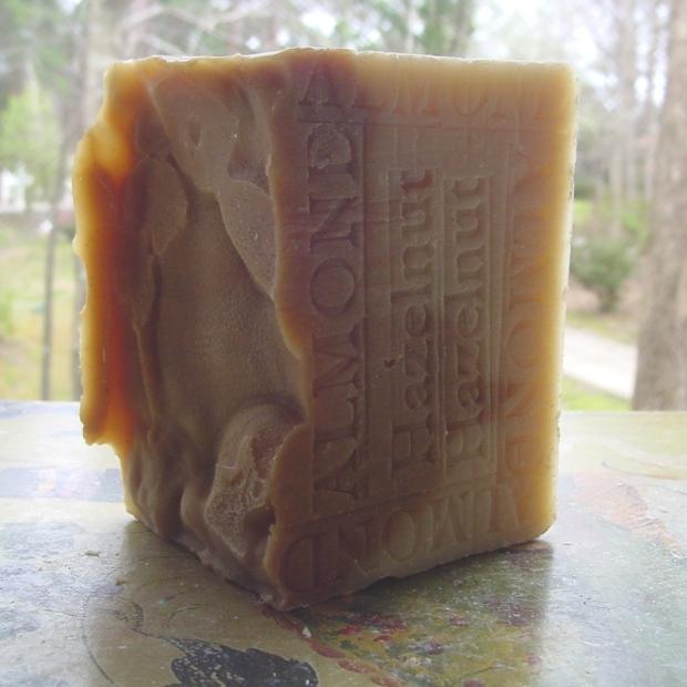 Almond and Hazelnut Soap (Brazil)