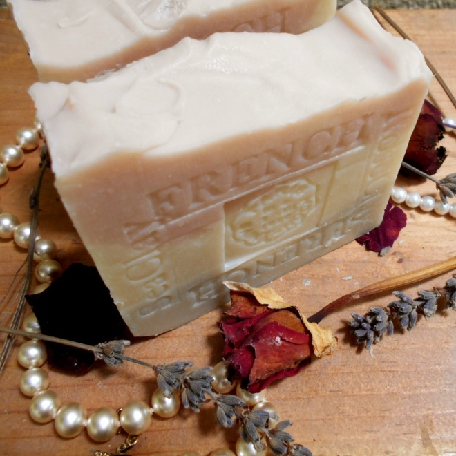 Limited Edition French Lavender - Jasmine Soap Jasmine is a component of most of the world's fine perfumes for a good reason added clay to absorb dirt oil and toxins. Rich lather, bits of lavender flowers and the relaxing scent of lavender and jasmine in this beautiful soap.