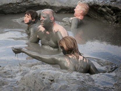 Dead_Sea_Mud_Bath_Isreal