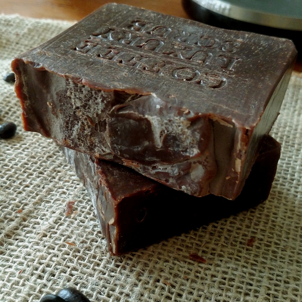 With its light coffee scent and ability to neutralize food odors, this homemade coffee soap is great for cooks and coffee lovers alike.